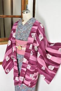 ラズベリーローズに四季の花の切り嵌め美しいレトロ羽織