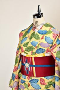 クリーム色にカラフル扇文様レトロモダンなウール単着物