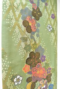 青磁色に鹿の子格子垣と古典花の染模様美しい正絹紬袷着物
