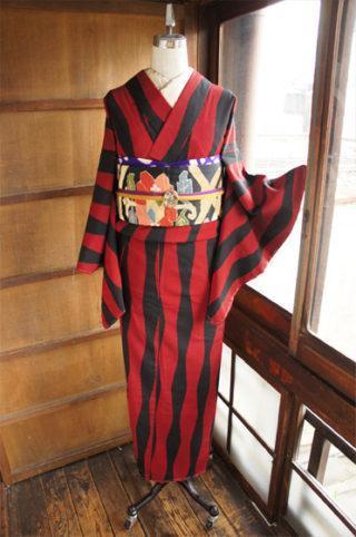 ☆新商品UP!☆カッコイイ赤黒お召しや珍しいお袖長のウールなどです♪