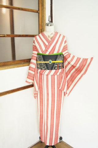 ☆新商品UP☆紅白縞単やカッコイイ絵羽浴衣など☆