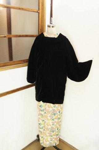 ☆日曜日UP♪☆暖かファー付きコートやブローチ留付きショールなど(*^^*)