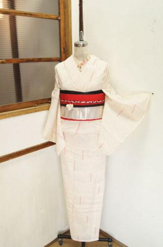 ☆新商品UP♪☆人気の夏着物風浴衣や白地レトロ蝶々浴衣など☆