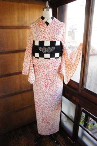 ☆新商品UP!☆秋の訪れ羽織やアンサンブルのお目見えです(*^^*)