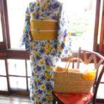 *着物コーディ*空色に黄色の洋花模様の浴衣を着物風にー☆