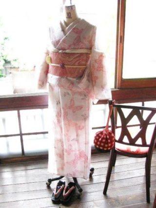 *着物コーディ*ヒラヒラと舞う蝶々が軽やかさをより演出する夏着物にピンクのマーブル模様夏帯を合わせて乙女コーディ♪