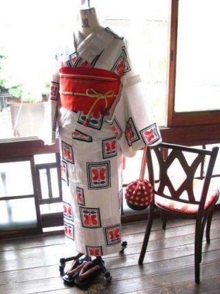 *着物コーディ*赤い遠州椿の浴衣を赤い半幅で可愛く☆