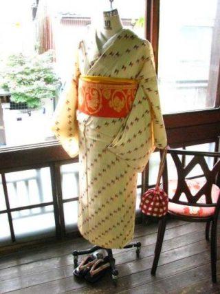 ♪着物コーディ♪生成り地に蝶々の様なリボンのような模様が愛らしい夏着物に唐草の半幅を合わせて(^^)