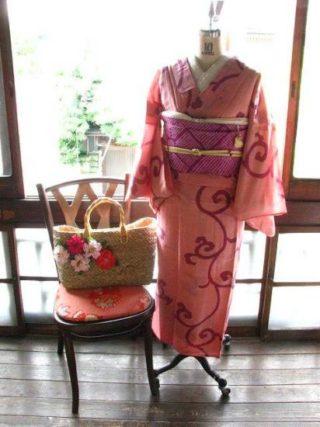 *着物コーディ*ベリー系ピンクにクルクル唐草が素敵な夏着物に絞りの名古屋帯を兵児帯感覚で合わせて(^^)