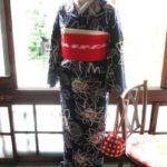 ♪着物コーディ♪レトロポップな薔薇柄浴衣に赤い半幅帯を変わり結びで(^^)