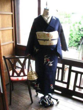 *着物コーディ*濃紺地に薊の花咲く夏着物に虫篭と萩の夏帯を合わせて…