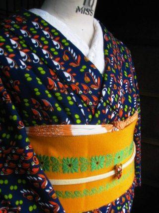 *着物コーディ*レトロポップ ビーンズとお花ウール着物にお花ストライプの半幅を合わせて♪