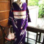 *着物コーディ*美しい紫に流れるようなリボンが素敵な、お召し着物にピンクシルバーの帯を合わせて♪