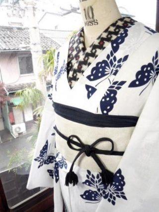 ☆オンラインショップ新商品UPしました☆蝶々の紺白浴衣や愛らし色の夏着物など♪