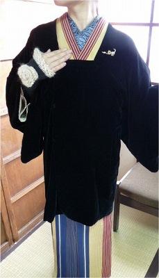 冬支度☆ベロアのコート(^^)ブローチを付けて、アームウォーマーを合わせて♪