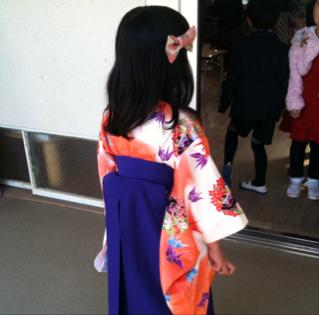 子供の卒園入学式の袴!袴は可愛いねえ~デレデレな内容です。