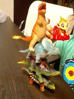 恐竜トーテムポール