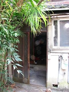長屋改装前玄関