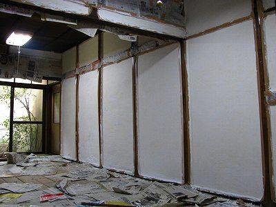 長屋1階壁一度塗り