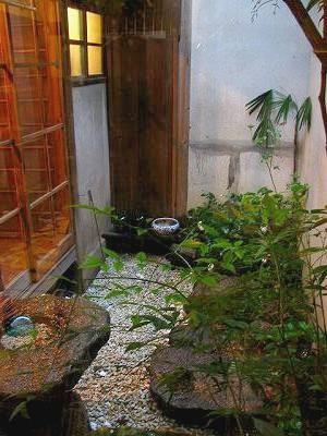 古民家長屋坪庭の改装後2