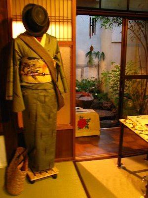 着物コーディネート(単着物と絽の帯と帽子)
